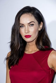 Megan looks classic, sexy AND sophisticated. http://beautyeditor.ca/2014/10/14/red-lips-red-dress-megan-fox