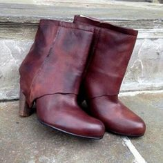 Free People Gorgeous Brown Leather Booties Amazing Free People Gorgeous Brown Booties. These booties are beautifully crafted with soft stunning leather. Only worn twice. 4 inch stacked  heel. Free People Shoes Ankle Boots & Booties