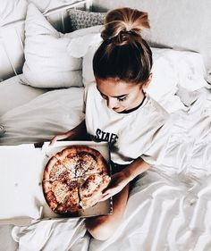 Pizza in Bed Photo Ideas