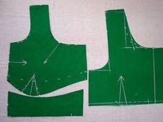 Blouse Cutting Method:Designer Saree Blouse(Choli) Designs/Make Measurement Steps Simple Blouse Designs, Stylish Blouse Design, Blouse Neck Designs, Choli Designs, How To Stitch Blouse, Blouse Tutorial, Cut Clothes, Sewing Blouses, Stitching Dresses