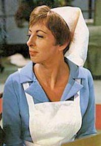 Hetty Blok als zuster Klivia. ja zuster, Nee zuster. We (al degenen die hier naar keken) kunnen die liedjes nog meezingen denk ik.