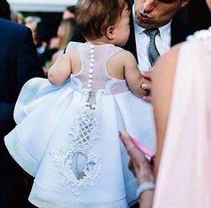 Vestido de batizado.