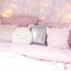 aesthetic bedroom decor stores near me bedroom decor decor aesthetic decor ideas 2019 wall decor decor art decor over bed decoration Pink Bedrooms, Girls Bedroom, Bedroom Decor, Bedroom Wall, Wall Decor, 70s Bedroom, Design Bedroom, My New Room, My Room