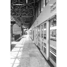 Porte d'Arras #bnw #blackandwhite #blackandwhitephotography #instablackandwhite #light #underground #shadow #subway #photooftheday #instadaily #instagood #amazing #beautiful #bestoftheday #art #igtravel #all_shots #mytravelgram #travel #traveling #visiting #instatravel #instago #trip #travelling #tourism #instapassport #lille #igerslille #lillemaville