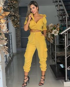 15 women's clothing jumpsuits and pants - Bilder Land Classy Outfits, Casual Outfits, Summer Outfits, Cute Outfits, Fashion Pants, Fashion Outfits, Looks Chic, Two Piece Outfit, Feminine Style