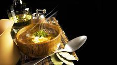 «Коронные» блюда из разных регионов. Наша русская национальная кухня очень разнообразна. Практически в каждом регионе России у тамошних местных жителей свои вкусовые предпочтения. Так, например, для Севера предпочитаемы...http://vk.com/dinnerday; http://instagram.com/dinnerday #блюда #кулинария #рыбные_блюда #борщ #пироги #еда #щи #русская_кухня #dinnerday #food #cook #cookery #soup