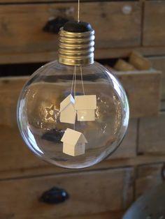 decorate a lightbulb