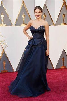 Oscars 2016 Red Carpet Fashion Sofia Vergara in Marchesa with Lorraine Schwartz jewellery Oscar Gowns, Oscar Dresses, Sexy Dresses, Nice Dresses, Fashion Dresses, Formal Dresses, Dresses 2016, Sofia Vergara, Evening Gowns