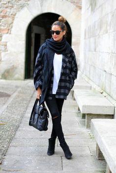 coat:Kling, jeans: old, bag: Zara, tee: Oysho, scarf: Hermes, boots: last season ( Topshop )