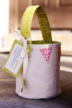 Spring Pail Pattern by Sweetwater.