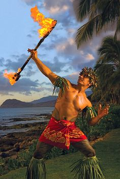 Siva Afi at Paradise Cove Luau ~ Oahu, Hawaii like Saimana. sure, twist my arm! Polynesian Men, Polynesian Dance, Polynesian Culture, Polynesian Designs, Polynesian Islands, Aloha Hawaii, Hawaii Travel, Hawaii Vacation, Maori
