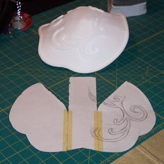 Pauldron. Possible pattern for assembly.