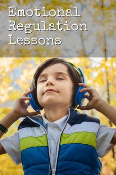 The best Spanish podcast to boost your listening skills! This is a great Spanish podcast for learners and kids to enjoy hearing native speakers and to learn Spanish naturally. Elementary School Counseling, School Counselor, Spanish Language Learning, Teaching Spanish, Spanish Classroom, Teaching French, Spanish Activities, Feelings Activities, Listening Skills