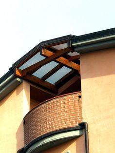 """Copri terrazzo ad """"ali di gabbiano"""", montato al quarto piano, linea ..."""