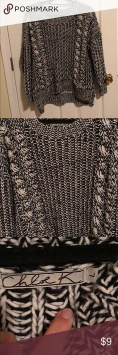 Chloe K comfy sweater Super heavy and warm! Barley worn! Sweaters Crew & Scoop Necks