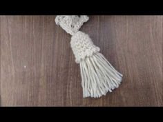Tassel com Acabamento em Crochê - YouTube Embroidery Stitches Tutorial, Crochet Stitches, Crochet Patterns, Diy Crochet, Hand Crochet, Crochet Handles, Hand Accessories, Rope Crafts, Embroidery Fashion
