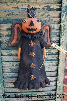 Easy Primitive Crafts, Primitive Scarecrows, Primitive Halloween Decor, Primitive Patterns, Primitive Fall, Halloween Doll, Vintage Halloween, Fall Halloween, Fall Projects