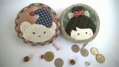 circle purse by Munkongshop on Etsy, $18.00