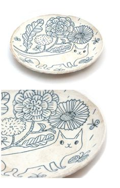 Love love love the ceramics by Makoto Kagoshima! click the image or link for more info. Kagoshima, Ceramic Tableware, Ceramic Clay, Ceramic Pottery, Sculptures Céramiques, Sgraffito, Pottery Painting, Plates And Bowls, Cat Art