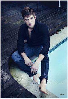Matt Lanter - whaaaat - I like pretty boys!