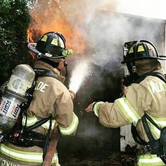 FEATURED POST   @mdfrfirehouse51 . CHECK OUT! http://ift.tt/2aftxS9 . Facebook- chiefmiller1 Snapchat- chief_miller Periscope -chief_miller Tumbr- chief-miller Twitter - chief_miller YouTube- chief miller  Use #chiefmiller in your post! .  #firetruck #firedepartment #fireman #firefighters #ems #kcco  #flashover #firefighting #paramedic #firehouse #straz #firedept  #feuerwehr #crossfit  #brandweer #pompier #medic #firerescue  #ambulance #emergency #bomberos #Feuerwehrmann  #firefighters…