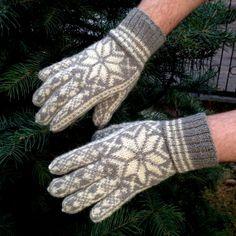 Hand-Knitted Selbu Norwegian Men Gloves by Dom Klary