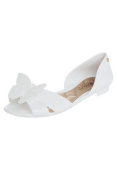 Sapatilha Petite Jolie Delicate Branca Flat Sandals, Wedges, Shoes, Fashion, Loafers & Slip Ons, Women's Work Fashion, Women's, Boots, Pretty