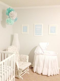 Lovely tissue paper pom poms set of 5 nursery decor party decoration it 39 s a baby - Pompoms kinderzimmer ...