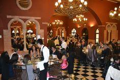 Y, más tarde, de un suculento banquete en nuestros salones. #boda #salon