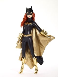 Things like this make me wish I had a way to justify spending over 300 Big Ones on a doll I'll never use but just WANT. (Or, heck, even the 150 buck the regular-sized dolls cost.)