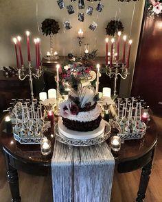 engagament table  nişanmasası sunum organizasyon Dessert Buffet, Candy Buffet, Dessert Bars, Anniversary Parties, Wedding Anniversary, Macaron Cake, Wedding Decorations, Table Decorations, Cake Table