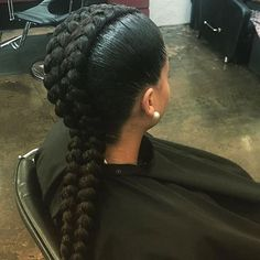 STYLIST FEATURE| Loving these double #cornrows styled by #LosAngelesStylist @Hair2ServeYou❤️ So different and cute #VoiceOfHair