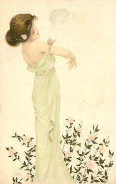 niña de vestido verde hacia la correa de ajuste de vestido, rosas de color rosa debajo de