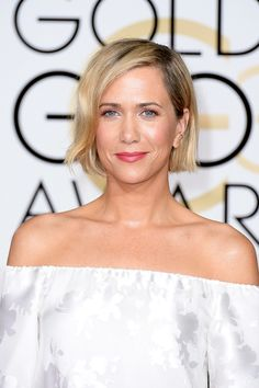 "The Only Beauty Looks You Need To See From The 2015 Golden Globes  #refinery29  http://www.refinery29.com/2015/01/80585/best-golden-globes-red-carpet-hair-makeup-2015#slide-13  Kristen Wiig  Makeup artist Tracey Levy gave Wiig a smoky eye using…blush. Yes, that's right: She lined the eyes with Charlotte Tilbury's forthcoming Beach Sticks in a coral-pink shade, layering rich-brown shadows on top, which transformed everything into a gorgeous, burgundy shade. File this under: ""makeup tricks ..."