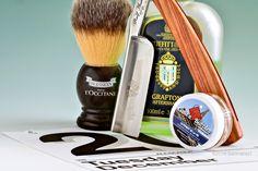 "Catie's Bubbles Le Piment de la Vie shave soap, Plisson synthetic brush, Ralf Aust 6/8"" straight razor, Truefitt & Hill Grafton aftershave, December 20, 2016. ©Sarimento1"