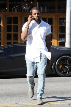 a shirt like kanye's here? With the odd collar and bulky shoulders silhouette? Grey Chelsea Boots Men, Chelsea Boots Outfit, Kanye West Photo, Kanye West Style, Yeezy Fashion, Tomboy Fashion, Mens Fashion, Street Fashion, Kanye West Outfits