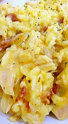 Cracked Out Chicken and Rice ~ Crack Dip (Ranch, Cheddar and Bacon) creates the base for this crowd-pleasing casserole.I added sour cream, yummy! Great Recipes, Dinner Recipes, Favorite Recipes, Recipe Ideas, Casserole Dishes, Casserole Recipes, Potato Casserole, Breakfast Casserole, Chefs