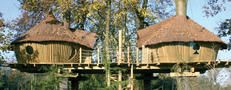 The Green Traveller. com (Image:Tree House Accommodation in France)