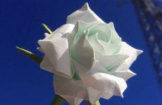 達人折りのバラの折り紙18 Only one origami rose 18