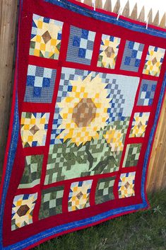 Lella Boutique: My Project Gallery Flower Patterns, Quilt Patterns, Sunflower Quilts, Giant Sunflower, Colorful Quilts, Floral Quilts, Quilted Throw Blanket, Tree Quilt, Quilted Wall Hangings