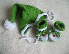 Christmas baby booties and hat,Santa baby set,Christmas baby outfit,Christmas gift,Santa Claus baby hat,baby shower gift,Christmas baby gift
