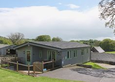 Rainster at the Hoe Grange Lodges in the Peak District, Derbyshire. Shared hot tub & sauna, playground, decking with BBQ and outside furniture. Great deals and low weekly prices.