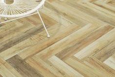 Il legno naturale è un richiamo ancestrale che riveste gli spazi di un calore vivo e avvolgente. E' l'eleganza spontanea di una collezione che rievoca l'impatto unico dei legni riciclati, delle loro sfumature, venature e nodosità sempre diverse, ma dal fascino immutato.  http://www.italiangres.com/it/gres-porcellanato-effetto-legno/67-gres-porcellanato-effetto-legno-natura-multicolor-20x80.html#/formato-scatola