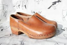 Vtg 70's Leather Wood Platform CLOGS Booties 6