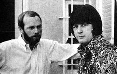 The well-known picture of Mike Love and Brian Wilson in discussion, with a lesser known photo that must have been taken moments after below. Carl Wilson, Brian Wilson, Mike Love, The Beach Boys, Rockn Roll, Surfs Up, The Man, In This Moment, Pictures