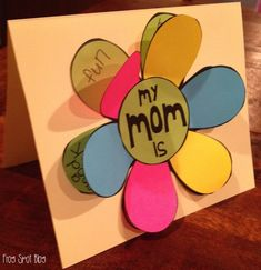 Flip the Flap Flower Card - would be cute for Mother's Day, or even birthday cards for special friends. Do lion for father's day Mother's Day Activities, Holiday Activities, Holiday Crafts, Classroom Crafts, Preschool Crafts, Kids Crafts, Mother's Day Projects, Dad Day, Fathers Day Crafts