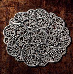 Image Article – Page 455919162261396179 Filet Crochet, Crochet Doilies, Knit Crochet, Romanian Lace, Point Lace, Needle Lace, Antique Lace, Hobbies And Crafts, Swirls
