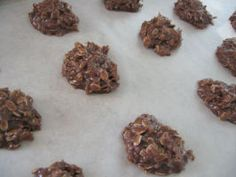 Oh Soo Easy Chocolate Macaroons. Photo by Brenda. Chocolate Macaroons, Chocolate Pastry, Holiday Baking, Christmas Baking, Christmas Cookies, Quick Recipes, Baking Recipes, Apple Fritter Bread, Macaroon Recipes