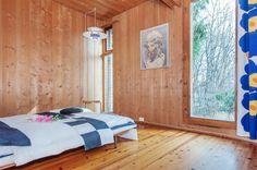 Are Vesterlids prisbelønnede atriumshus. Interior And Exterior, Interior Design, Stylish Bedroom, Home Bedroom, Sweet Home, Real Estate, Pergola, Windows, Modern