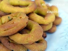Κουλουράκια Καρότου – Foods & SuperFoods Greek Desserts, Greek Recipes, Cake Bars, Onion Rings, Superfoods, Bagel, Biscuits, Food And Drink, Bread